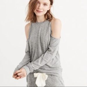 Abercrombie & Fitch cold shoulder sweater